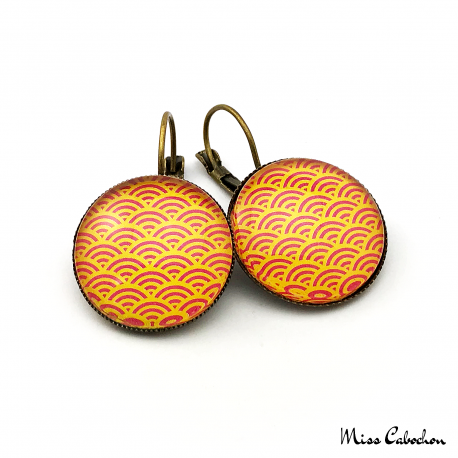 Earrings with traditional japanese patterns