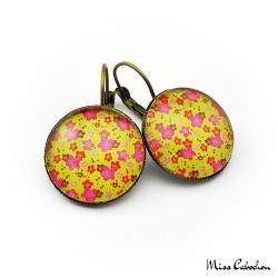 Glaring earrings
