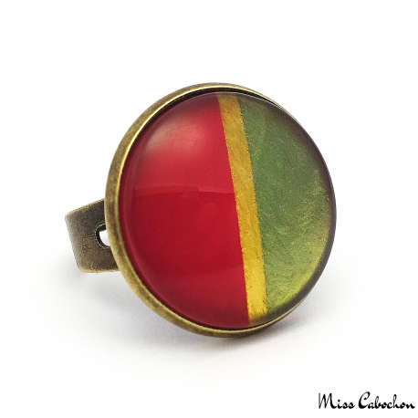 Two-tone ring with golden border