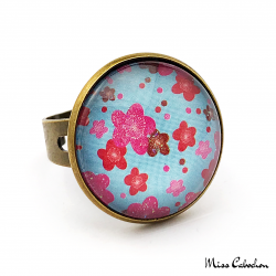 Blue and pink fashion ring