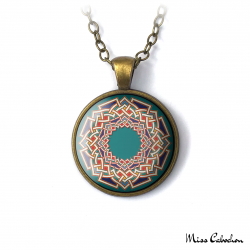 Necklace with arab and hispanic designs