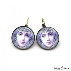 Boucles d'oreille style Années 1910
