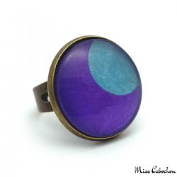 Fashion ring - Blue Moon on Purple