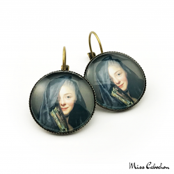 "Round earrings ""An intriguing woman"""