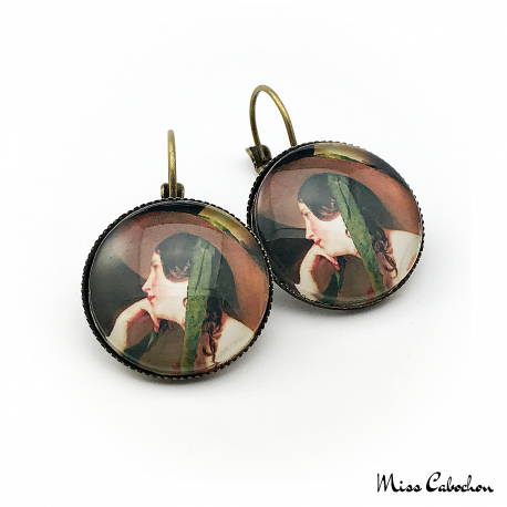 "Figurative earrings ""The young woman with a hat"""